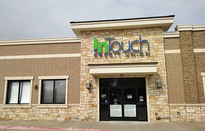 Exterior Shot of South Plano Branch in Texas During the Day
